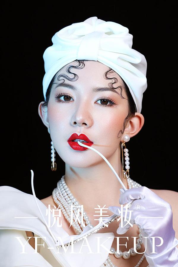 时而空灵 时而优雅 时而高贵的创意写真妆容